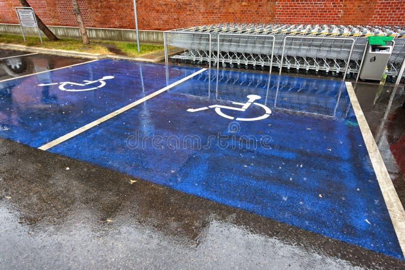 Signe de stationnement handicapé photographie stock libre de droits