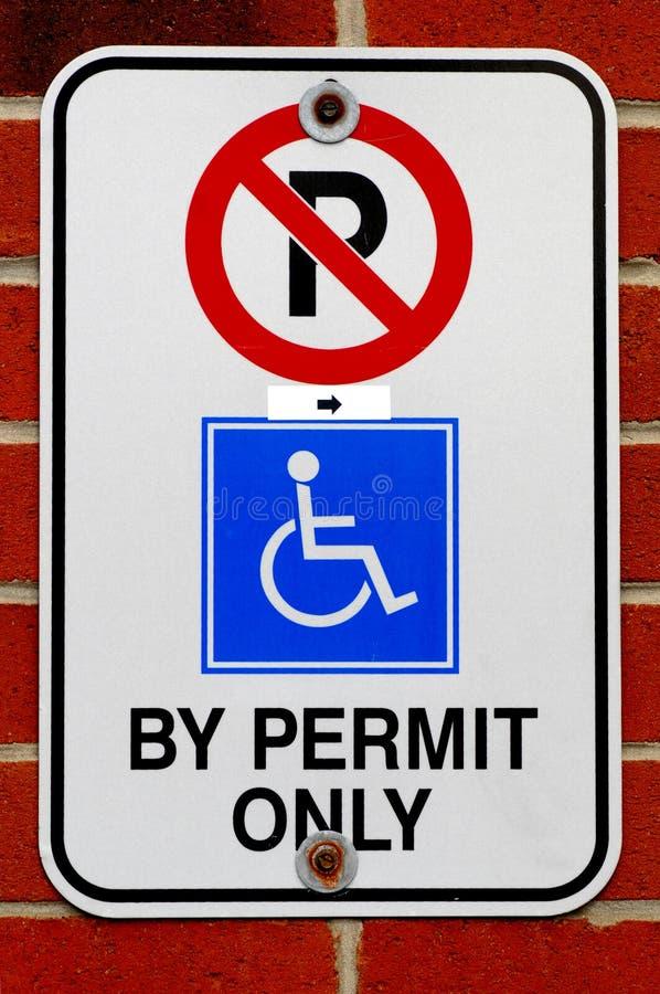 Signe de stationnement pour handicapé images libres de droits
