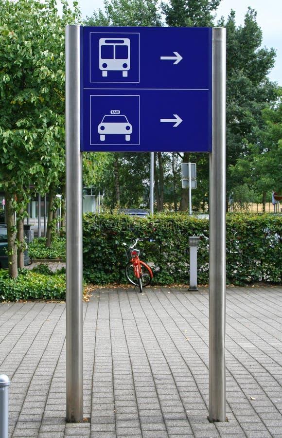 Signe de taxi et de bus photo libre de droits