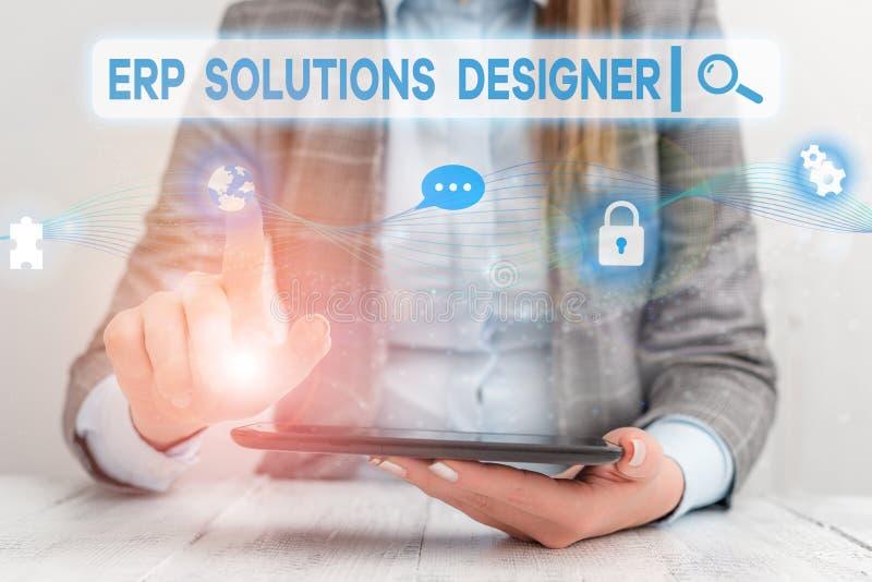 Signe de texte montrant Erp Solutions Designer Photo conceptuelle élégante optimisée modularisée et réutilisable possible Femme image libre de droits