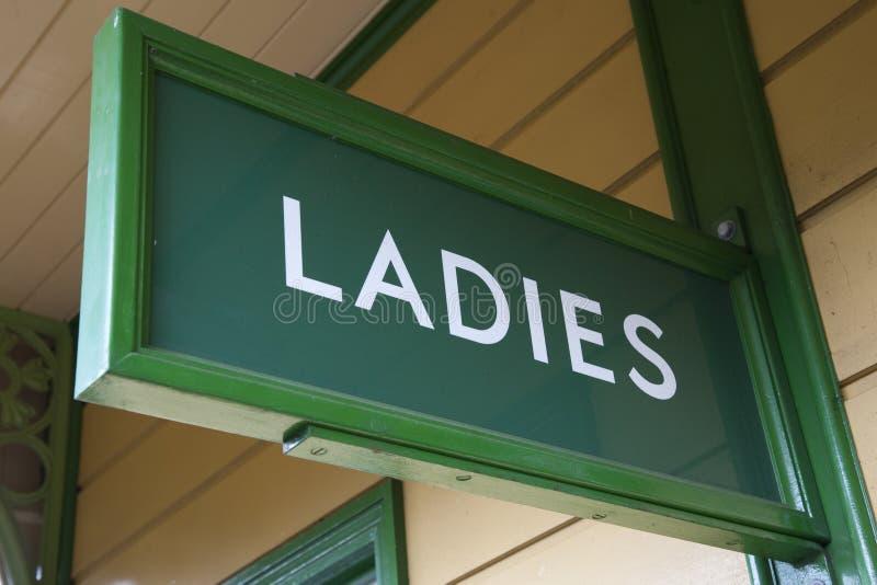 Signe de toilette de dames image libre de droits
