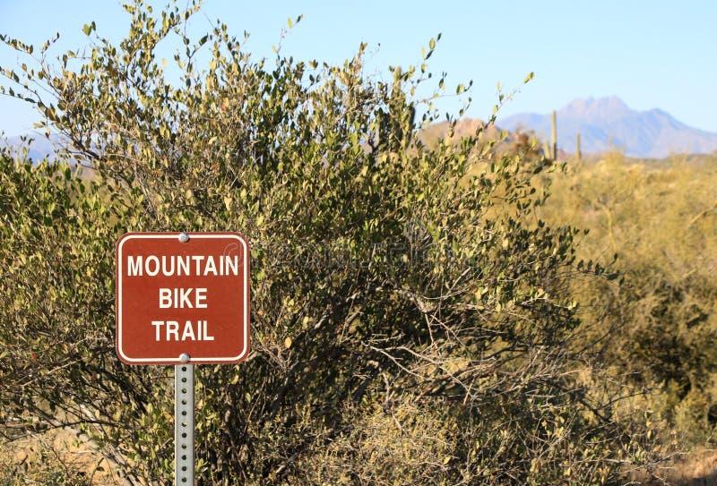 Signe de traînée de vélo de montagne image libre de droits