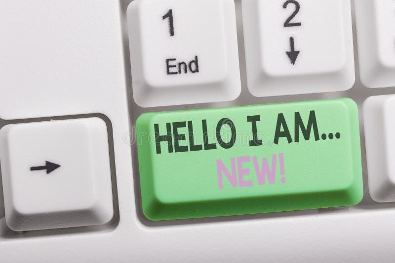 Signe des textes me montrant ? bonjour suis nouveau Photo conceptuelle utilisée comme salutation ou pour commencer le clavier bla photos stock