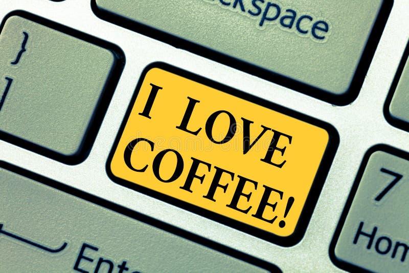 Signe des textes montrant j'aime le café Affection aimante de photo conceptuelle pour les boissons chaudes avec la clé de clavier photo stock