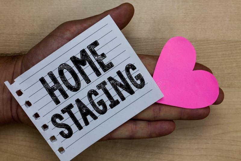 Signe des textes montrant l'échafaudage à la maison Acte conceptuel de photo de préparer une résidence privée pour la vente chez  photos libres de droits