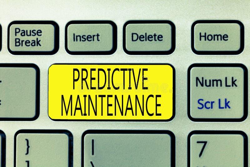 Signe des textes montrant l'entretien prévisionnel La photo conceptuelle prévoient quand l'état de panne d'équipement pourrait se photo libre de droits