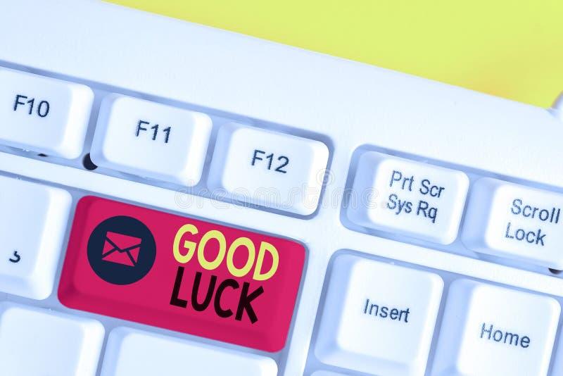 Signe des textes montrant la bonne chance. Photo conceptuelle Une fortune positive ou un résultat heureux qu'une manifestation pe photos libres de droits