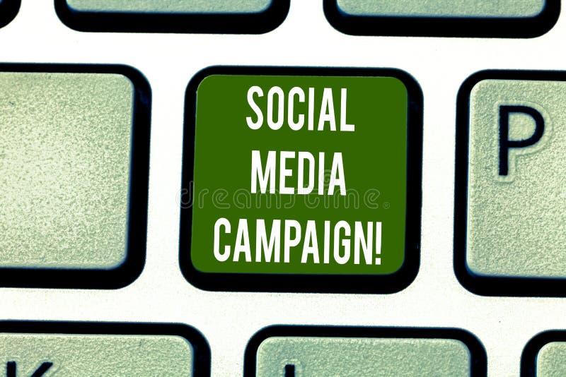 Signe des textes montrant la campagne sociale de médias Utilisation conceptuelle de photo des réseaux sociaux de favoriser les ma image stock