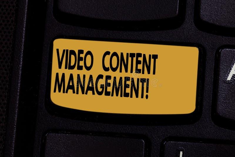 Signe des textes montrant la gestion de contenu visuelle L'évaluation conceptuelle de photo d'un s individuel est réponse à un pr image stock