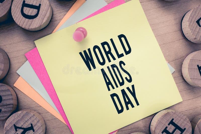Signe des textes montrant la Journée mondiale contre le SIDA La photo 1er décembre conceptuel a consacré à soulever la conscience photographie stock libre de droits