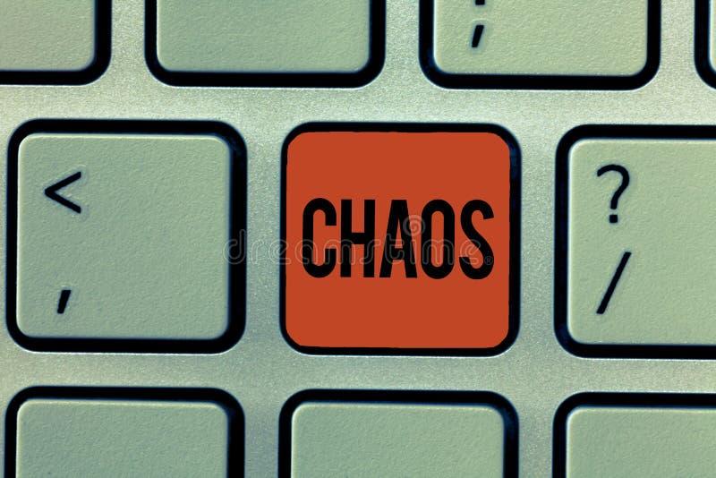 Signe des textes montrant le chaos Désordre complet de photo conceptuelle et destruction répandue de grande confusion images libres de droits