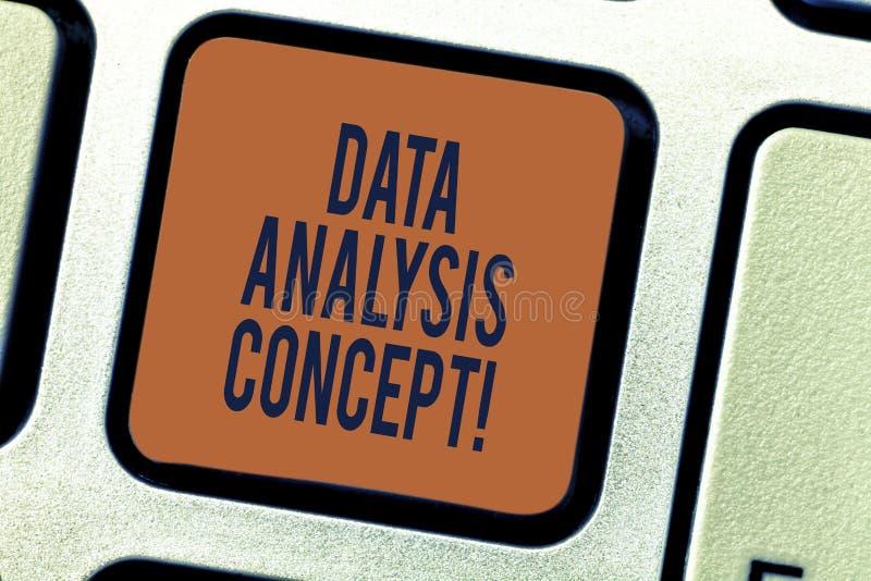 Signe des textes montrant le concept d'analyse de données Données de évaluation de photo conceptuelle utilisant le raisonnement a photographie stock