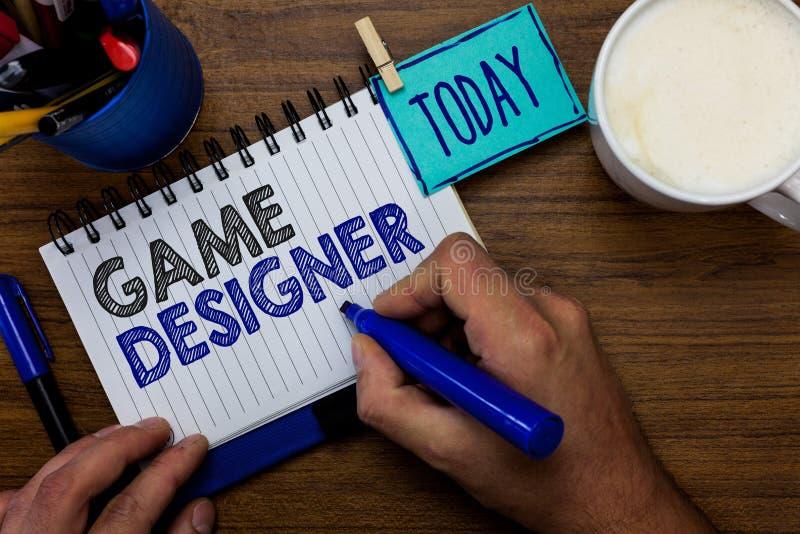 Signe des textes montrant le concepteur de jeu Les graphiques Scripting des consoles de programmeurs de photo de pixel conceptuel photo libre de droits