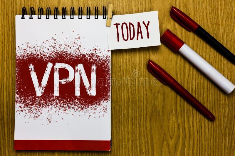 Signe des textes montrant Vpn La photo conceptuelle a fixé le réseau privé virtuel à travers le rendez-vous de rappel protégé par photos libres de droits
