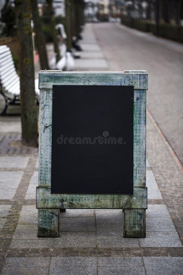 signe en bois de café photographie stock