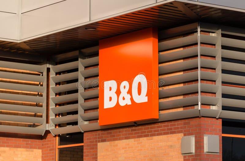 Signe et devanture de B&Q photographie stock