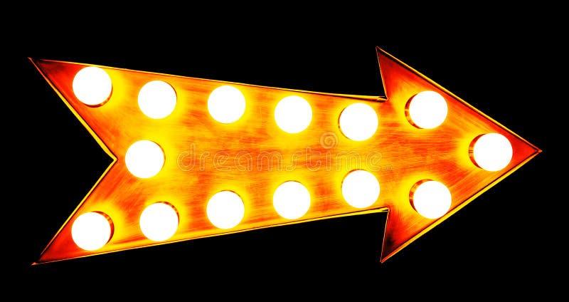 Signe métallique lumineux lumineux et coloré de vintage d'or orange, jaune et rougeâtre d'affichage de flèche avec les ampoules r photo libre de droits
