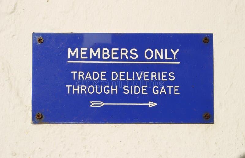 Signe, membres seulement photographie stock libre de droits