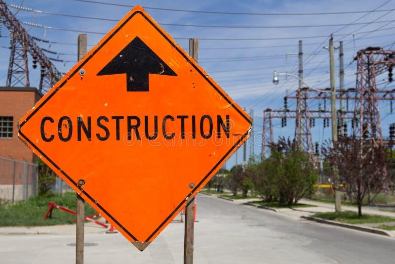 Signe orange lumineux de construction photos libres de droits