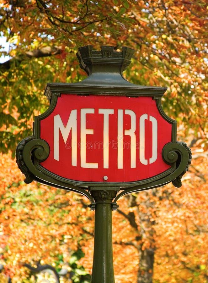 Signe parisien de métro photo stock