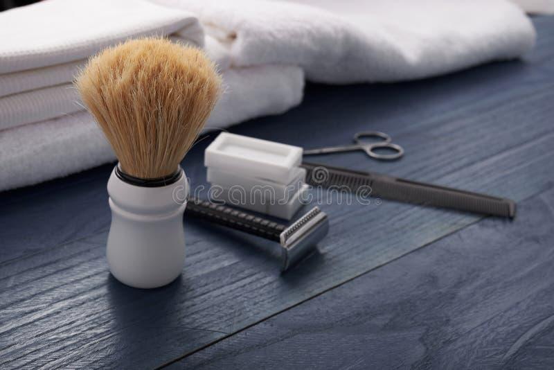 Download Signe Pour Le Salon Des Hommes Image stock - Image du beauté, barbe: 77154919