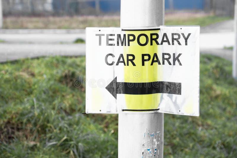 Signe provisoire de parking image stock