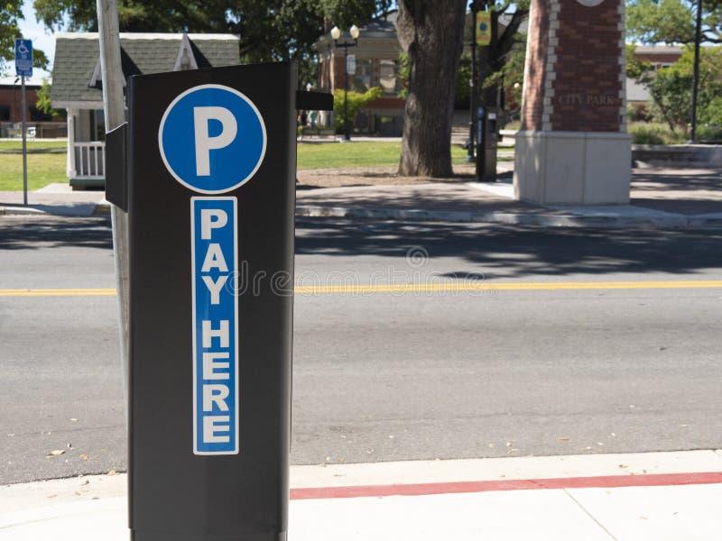 Signe public de kiosque de parcomètre image libre de droits