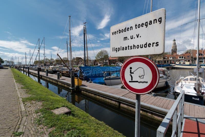 Signes au quai de ville chez Enkhuizen photos libres de droits