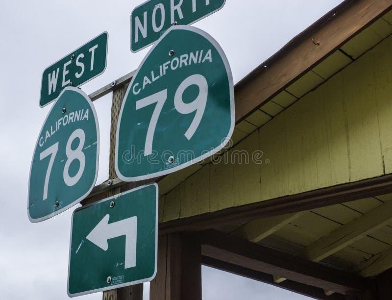 Signes indiquant les routes 78 et 79 en Julian California photo stock