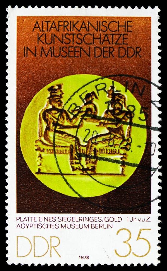Signet pierścionek, Stara Afrykańska sztuka Pielęgnuje seria, około 1978 zdjęcie royalty free