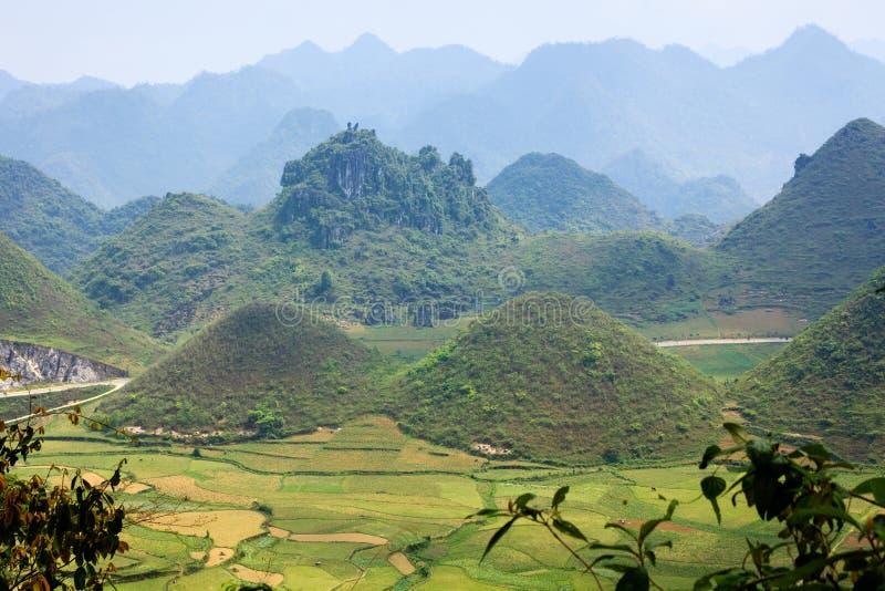 Significant genoemd bergpaar & x27; Nui Doi& x27; , Quan Ba, Ha Giang, Vietnam royalty-vrije stock foto