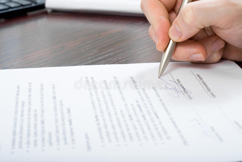 Download Signing Contract By Businessmen Stock Images - Image: 24354044