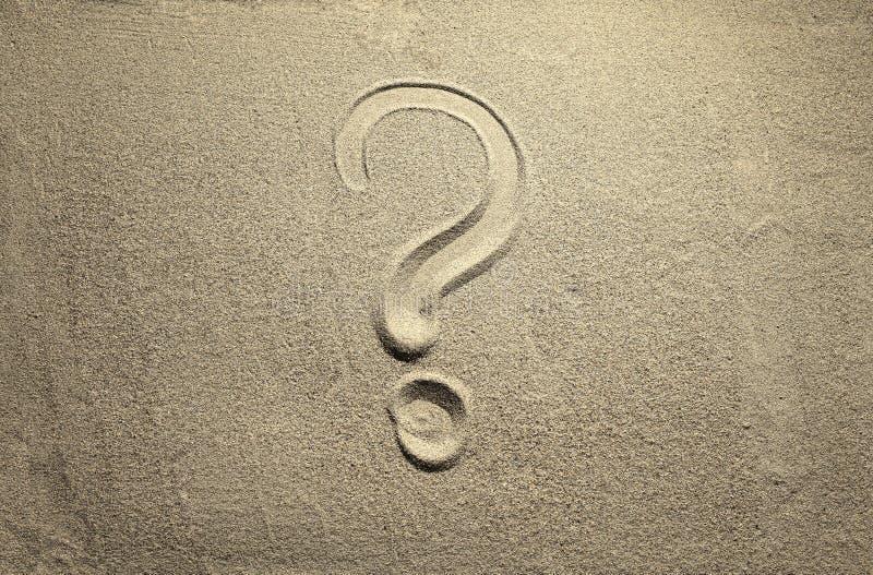 Signo de interrogación como ondulación del agua imagen de archivo