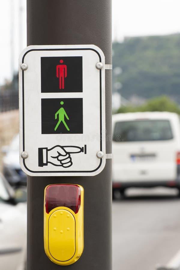Signo Y Botón De Tráfico Desde Budapest, Hungría fotos de archivo libres de regalías