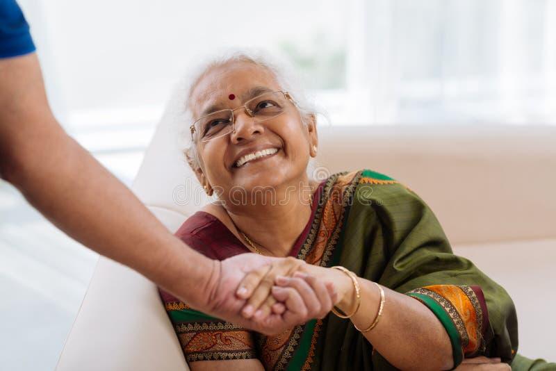 Signora anziana felice fotografia stock