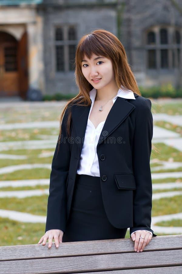 Signora dell'ufficio della città universitaria fotografia stock