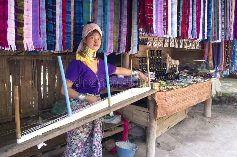 Signora indigena di Kayan Lawhi Tailandia fotografie stock libere da diritti