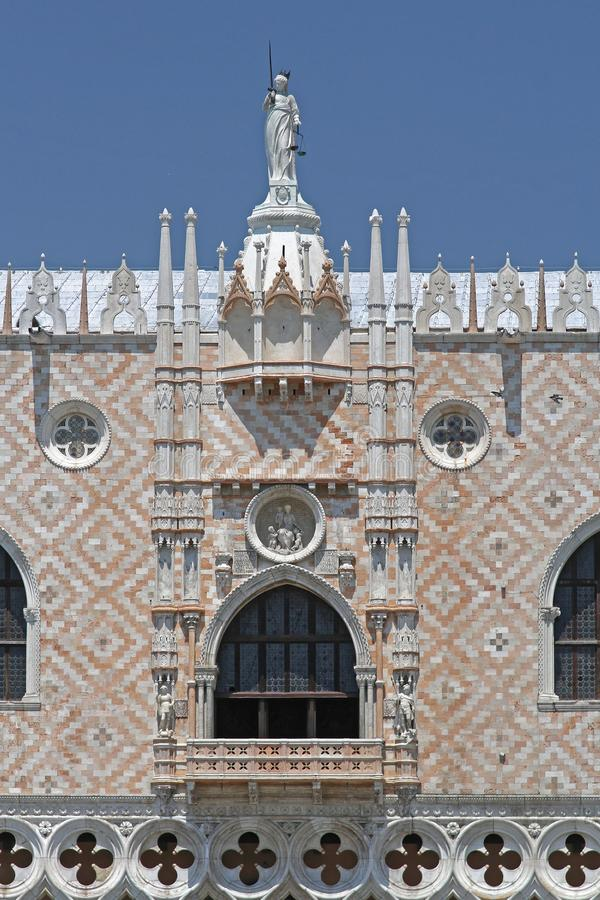 Signora Justice Palace Venice immagini stock