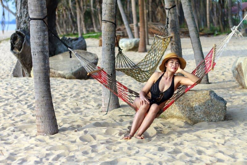 Signora si rilassa privato fotografie stock