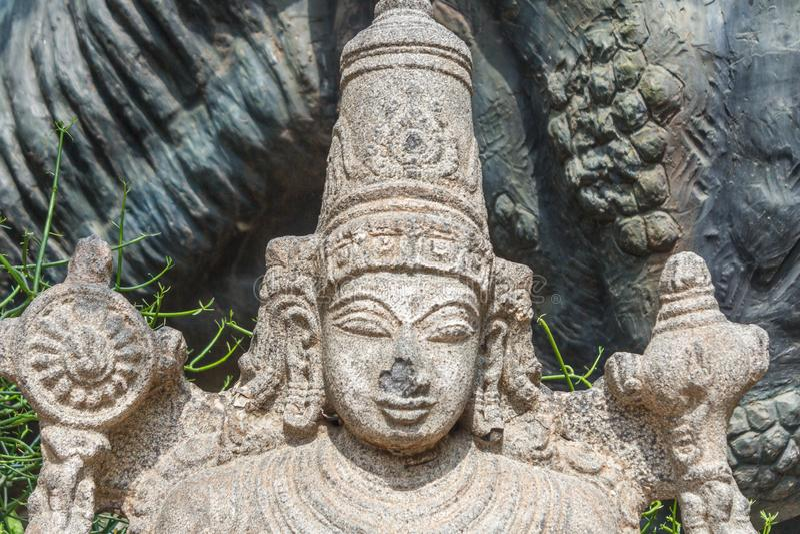 Signore dio indù, incisione di pietre vishnu immagini stock