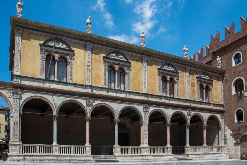 Signori dei аркады и Лоджия del Консиглио в Вероне стоковые фото