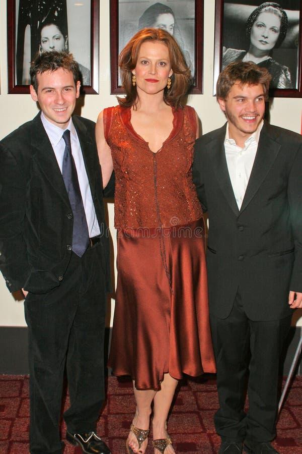 Sigourney Weaver, Emile Hirsch, Dan Harris royalty-vrije stock foto