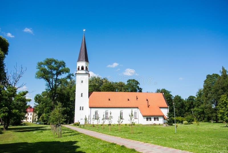 Sigulda Evangelic Lutherankyrka, en kyrka av den Sigulda staden arkivbild