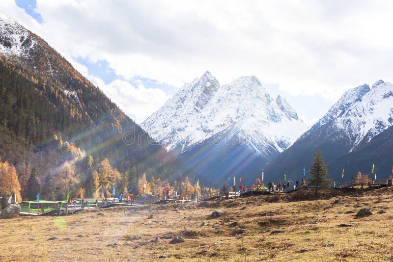 Siguniangshan Nationaal Park in Sichuan, China stock foto
