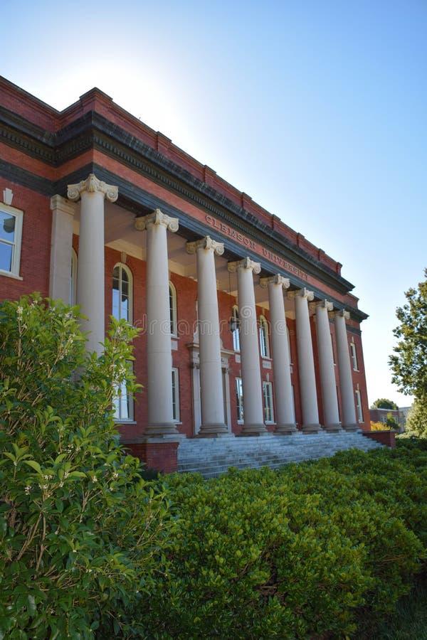 Sikes Corridoio sul campus universitario di Clemson immagini stock libere da diritti