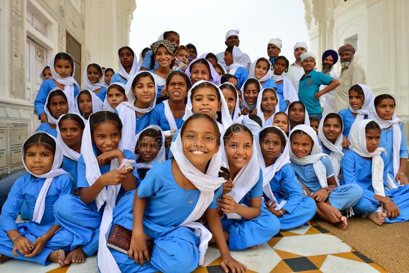 Sikh Jonge Studenten in de Gouden Tempel, Amritsar royalty-vrije stock foto's