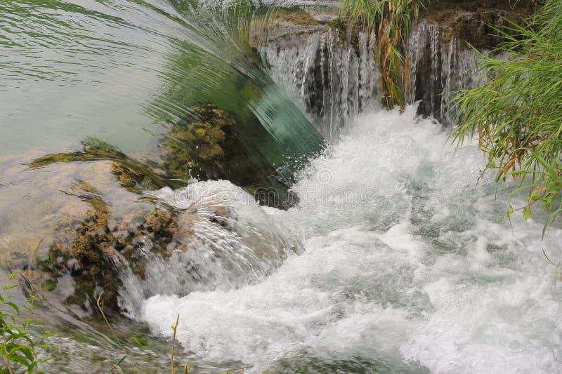 Siklawa na Krka rzece - zamknięty widok obraz royalty free