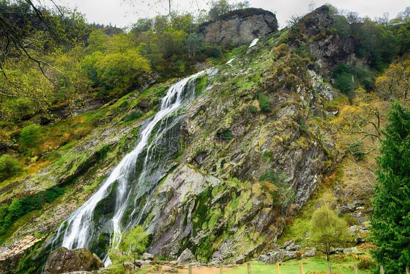 Siklawa, Powerscourt, Irlandia zdjęcia royalty free
