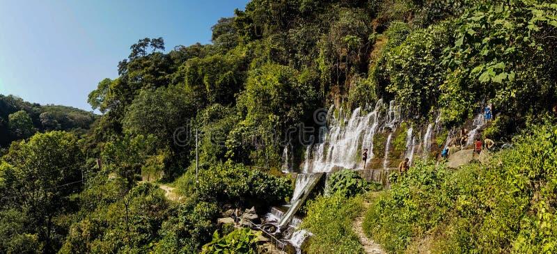 Siklawa w El Imposible parku narodowym, Honduras zdjęcie stock