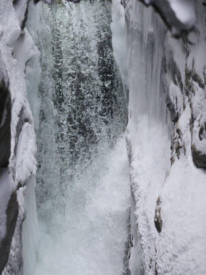 Siklawa w wintertime fotografia royalty free